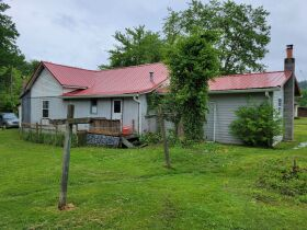 2 Houses, 2 Storage Buildings and Personal Property of  Louise Carter Estate at Online Auction featured photo 6