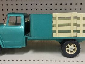 Faeth IH Scout and Truck Toy Collection featured photo 3
