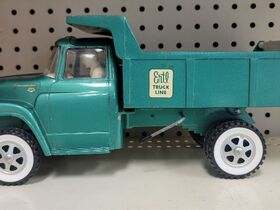 Faeth IH Scout and Truck Toy Collection featured photo 4