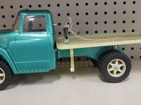 Faeth IH Scout and Truck Toy Collection featured photo 5