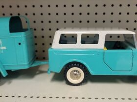 Faeth IH Scout and Truck Toy Collection featured photo 6