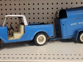 Faeth IH Scout and Truck Toy Collection featured photo 9