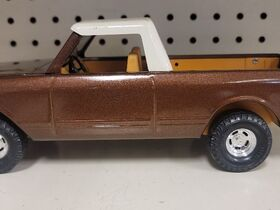 Faeth IH Scout and Truck Toy Collection featured photo 11