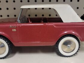 Faeth IH Scout and Truck Toy Collection featured photo 12