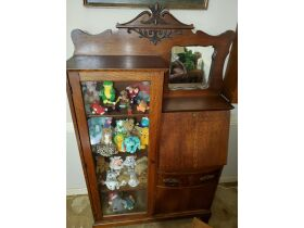 Clocks, Collectibles, Furniture and More Online Auction featured photo 6
