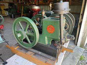 Guelda Collection of Vintage Cars, Gas Engines and Tractors featured photo 12