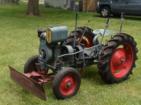 Guelda Collection of Vintage Cars, Gas Engines and Tractors featured photo 5