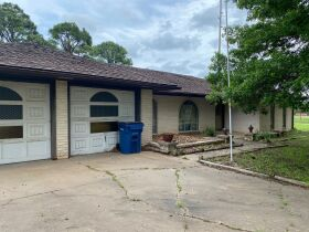FIXER UPPER-STILLWATER REAL ESTATE AUCTION - 2024 E LINDA AVE- On 2 Huge lots featured photo 4
