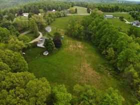 Ranch home in an exceptional setting located within minutes of Millersburg featured photo 4
