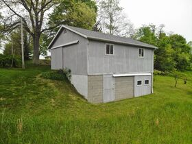 Ranch home in an exceptional setting located within minutes of Millersburg featured photo 10