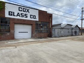 7100 +/- sq. ft Office/Warehouse in Clarksdale, MS featured photo 2