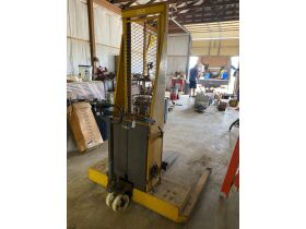 Vehicles, Tools and Household Items Online Auction - Mt. Vernon, IN featured photo 7