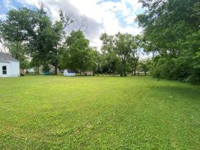 SELLING ABSOLUTE - Online Estate Auction featuring 3 BR Home in Greenhill Subdivision at 1602 Idlewood Drive featured photo 6