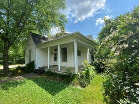 SELLING ABSOLUTE - Online Estate Auction featuring 3 BR Home in Downtown Murfreesboro at 838 N. Spring St featured photo 3