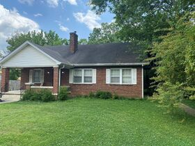 SELLING ABSOLUTE - Online Estate Auction featuring 4 BR, 2 BA Home in Downtown Murfreesboro at 834 N. Spring St featured photo 3