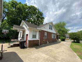 SELLING ABSOLUTE - Online Estate Auction featuring 4 BR, 2 BA Home in Downtown Murfreesboro at 834 N. Spring St featured photo 4