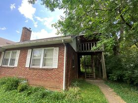 SELLING ABSOLUTE - Online Estate Auction featuring 4 BR, 2 BA Home in Downtown Murfreesboro at 834 N. Spring St featured photo 5