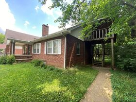 SELLING ABSOLUTE - Online Estate Auction featuring 4 BR, 2 BA Home in Downtown Murfreesboro at 834 N. Spring St featured photo 7
