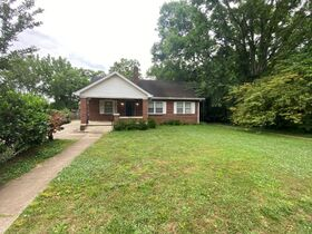 SELLING ABSOLUTE - Online Estate Auction featuring 4 BR, 2 BA Home in Downtown Murfreesboro at 834 N. Spring St featured photo 12