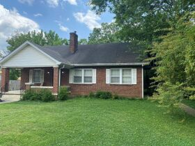 SELLING ABSOLUTE - Online Estate Auction featuring 4 BR, 3 BA Home in Downtown Murfreesboro at 834 N. Spring St featured photo 3