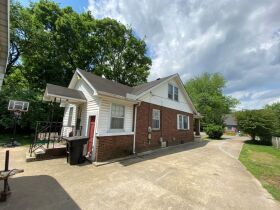 SELLING ABSOLUTE - Online Estate Auction featuring 4 BR, 3 BA Home in Downtown Murfreesboro at 834 N. Spring St featured photo 4