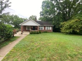 SELLING ABSOLUTE - Online Estate Auction featuring 4 BR, 3 BA Home in Downtown Murfreesboro at 834 N. Spring St featured photo 12