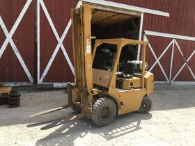 Farm Equipment - Industrial Woodworking  Equipment - Antiques & Collectibles - Hinckley, IL featured photo 3