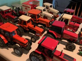 Elliott Estate including John Deere 4000 tractor, farm toys and more! featured photo 9
