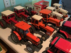 Elliott Estate including John Deere 4000 tractor, farm toys and more! featured photo 10