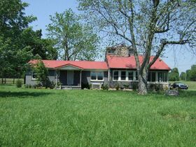 3 BR, 2.5 BA Home on 45+/- ACRES Offered in 3 Tracts 5+/- AC to 25+/- AC Each with Barn, Shop, Open Pasture, Hardwoods - AUCTION in Lascassas, TN featured photo 4