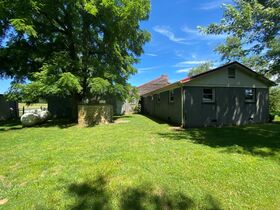 3 BR, 2.5 BA Home on 45+/- ACRES Offered in 3 Tracts 5+/- AC to 25+/- AC Each with Barn, Shop, Open Pasture, Hardwoods - AUCTION in Lascassas, TN featured photo 11