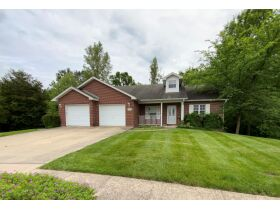 Wonderful Family Home In Springdale Estates Offered At Online Auction - 4100 Savannah Ct., Columbia, MO featured photo 3