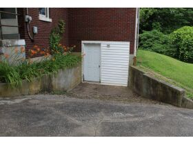 1 ½ STORY BRICK HOME ON LARGE LOT - Online Bidding Only Ends Tues., July 13th @ 3:00 PM CDT featured photo 5