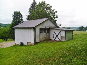 Ranch Home on 36.66 Acres Located Close to Riverview High School featured photo 6