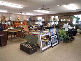 RUM CREEK AUGUST MULTI-ESTATE & MACY'S STORE STOCK AUCTION featured photo 6