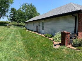 Very nice 3 bedroom home,  One level, located in Country Club, MO. featured photo 8