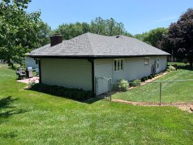 Very nice 3 bedroom home,  One level, located in Country Club, MO. featured photo 9