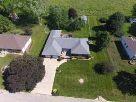 Very nice 3 bedroom home,  One level, located in Country Club, MO. featured photo 2