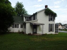 2-STORY HOME - Online Bidding Ends TUESDAY, JULY 27 @ 4:00 PM EDT featured photo 4