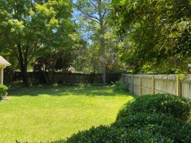 Well Maintained 3 Bedroom Germantown, TN Home featured photo 11