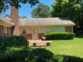 Well Maintained 3 Bedroom Germantown, TN Home featured photo 12