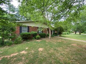 SELLING ABSOLUTE! 3 BR, 3 BA One Level Home on Corner Lot in Northridge Subdivision featured photo 4
