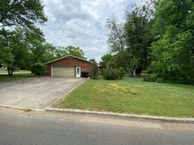 SELLING ABSOLUTE! 3 BR, 3 BA One Level Home on Corner Lot in Northridge Subdivision featured photo 6
