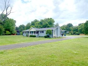 SELLING ABSOLUTE! 3 Bedroom, 2 Bath Brick Ranch Home on 1.6+/- Acre - Estate Auction featured photo 3