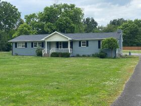 SELLING ABSOLUTE! 3 Bedroom, 2 Bath Brick Ranch Home on 1.6+/- Acre - Estate Auction featured photo 5