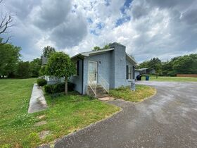 SELLING ABSOLUTE! 3 Bedroom, 2 Bath Brick Ranch Home on 1.6+/- Acre - Estate Auction featured photo 6