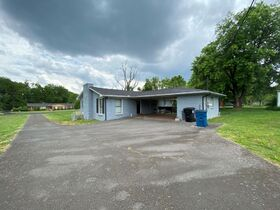 SELLING ABSOLUTE! 3 Bedroom, 2 Bath Brick Ranch Home on 1.6+/- Acre - Estate Auction featured photo 7