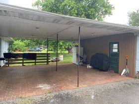 SELLING ABSOLUTE! 3 Bedroom, 2 Bath Brick Ranch Home on 1.6+/- Acre - Estate Auction featured photo 8