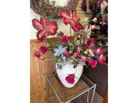 Home Decor, Furniture, Retail Displays, & More - Online Auction Poseyville, IN featured photo 3