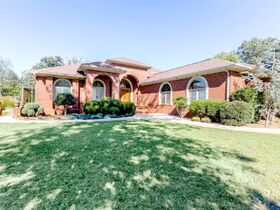 Custom 4 Bedroom, 3 Bath Mountain Home with In-ground Saltwater Pool and Incredible Bluff View - Online Only Auction featured photo 8